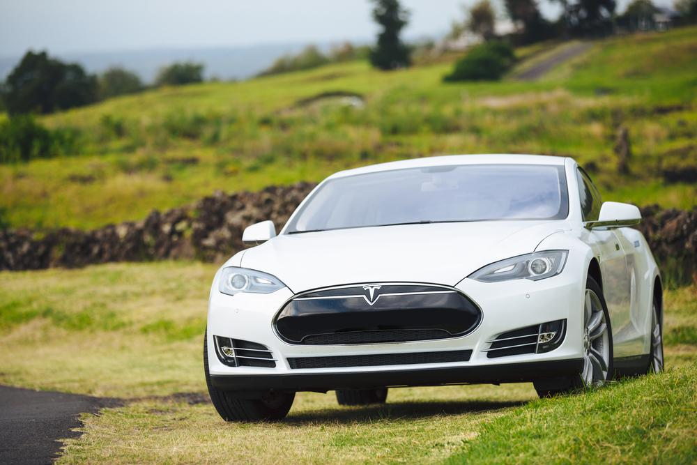 Tesla Considers All In One Home Battery And Electric Car Energy Package Haultail